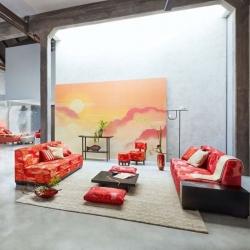 Geometric lines and organic shapes in Maiko Collection   #kenzotakada #K3 #furniture #furnituredesign #showroom #designshowroom #design #interiordesign #luxury #style #stylish #stylishinteriors #designersofinsta